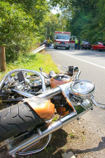 1-Crashed bike in Lime Rock