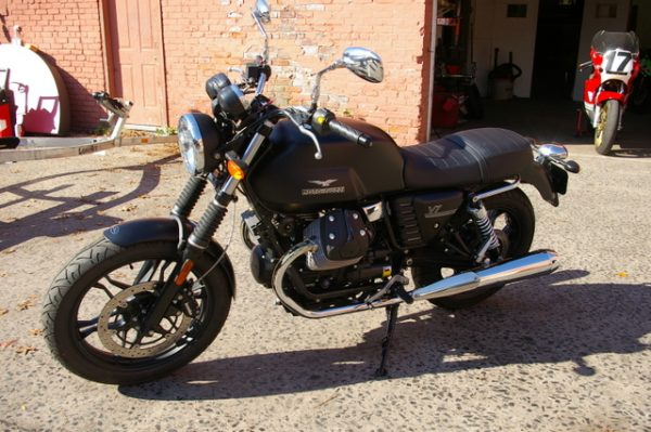 test ride: moto guzzi v7 offers classic experience - ride ct