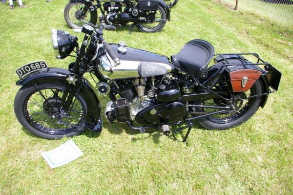 1-Brough Superior - tight