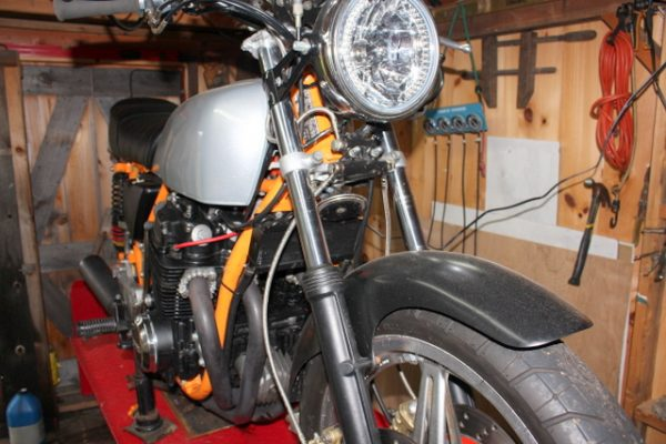 1-CB750 front