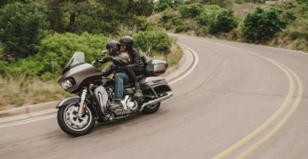 Road Glide Ultra - action