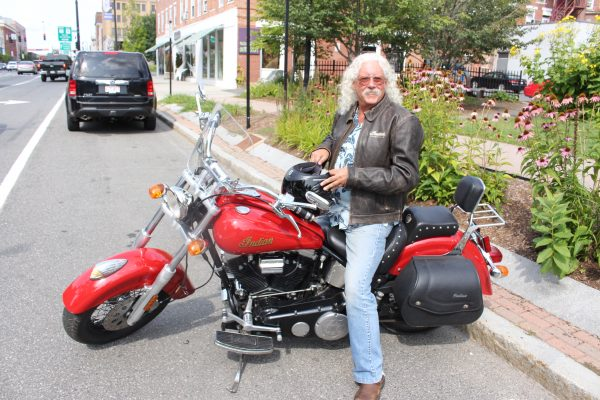 motorcycle and pickle song  Arlo Guthrie Talks Motorcycles... - Ride CT